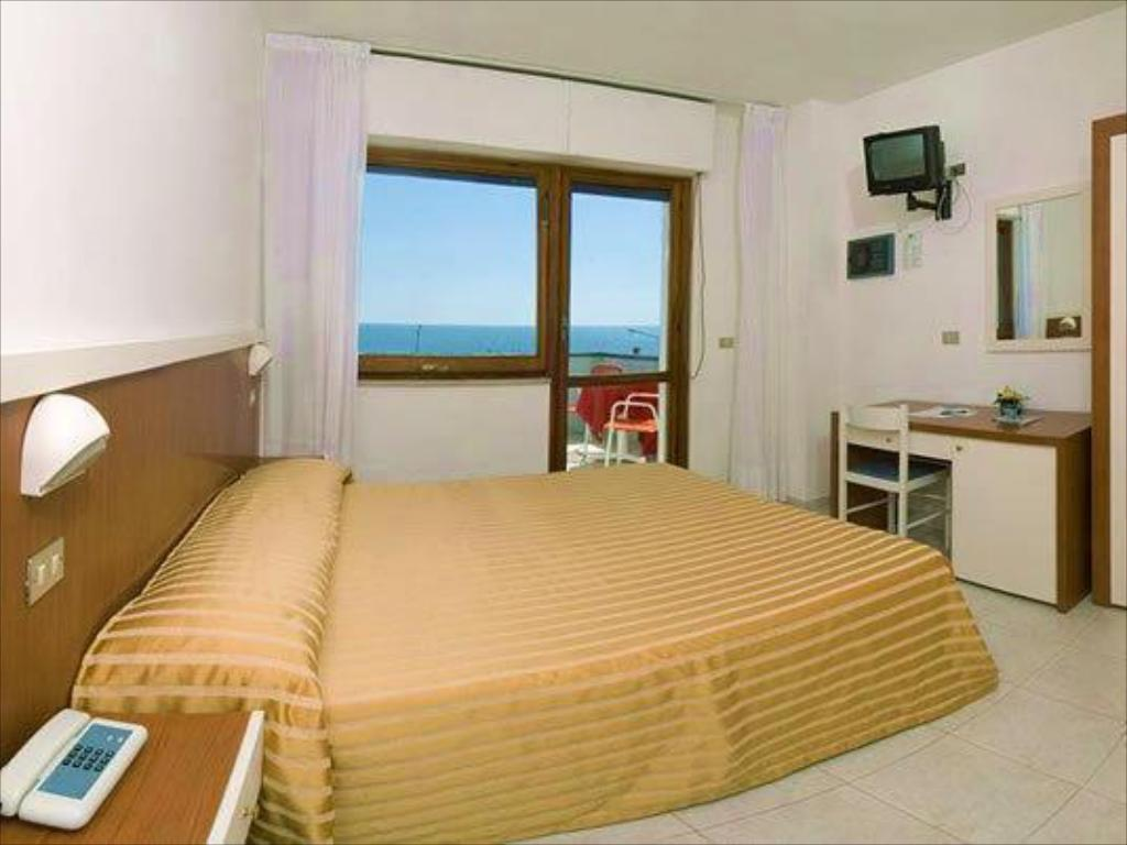 Double or Twin Room - Guestroom Hotel Galf