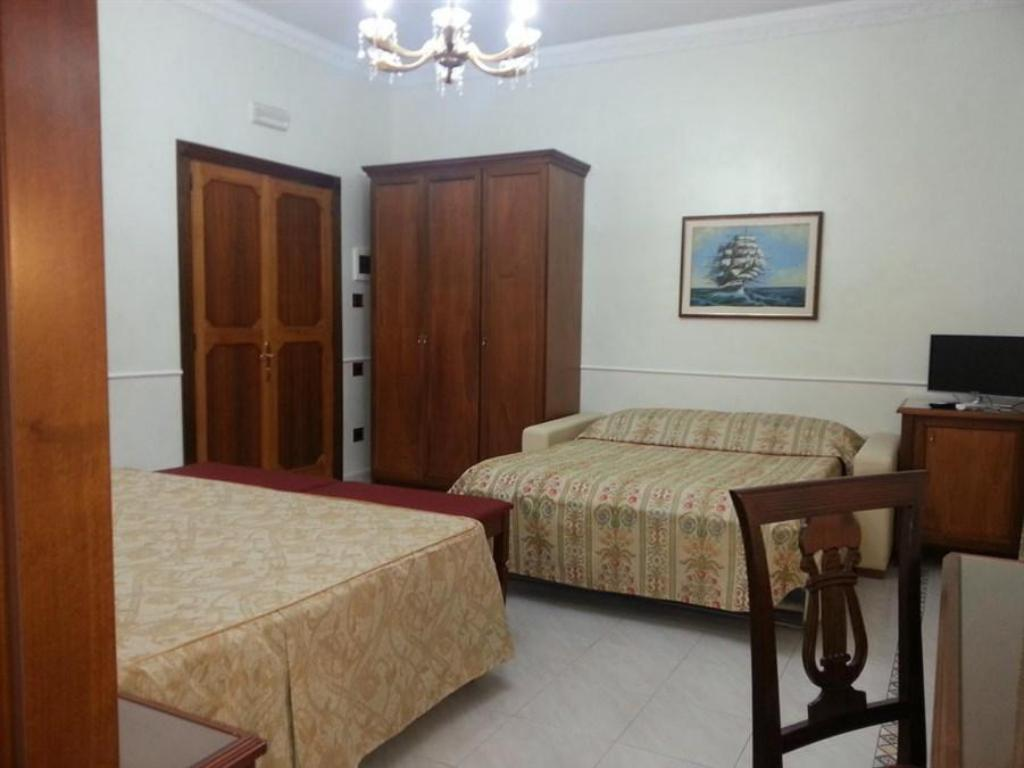 Double or Twin with Balcony - Guestroom B&B Dante Alighieri