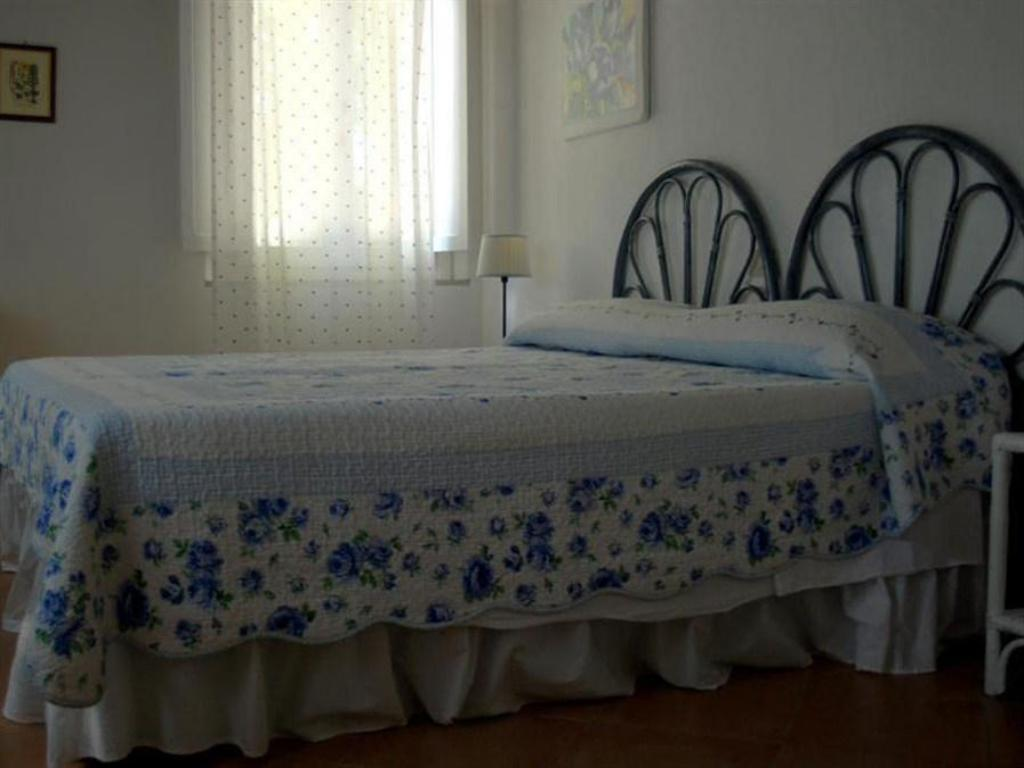 Two-Bedroom Apartment (4 Adults) - Bed Castello di Bolgheri
