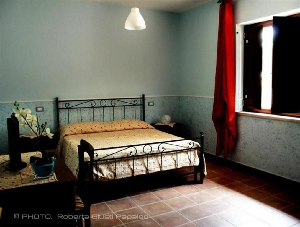 Double or Twin Room with Mountain View - Guestroom Villa Merici - Borgo Verde