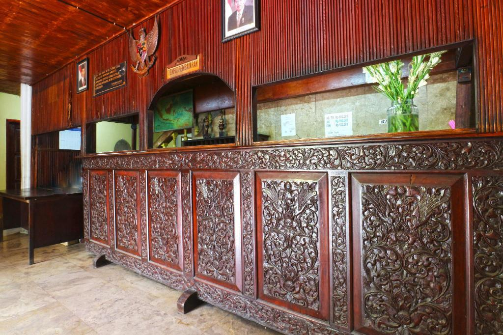 Wisma Bulan Mas Guesthouse Bed And Breakfast Jakarta Deals Photos Reviews