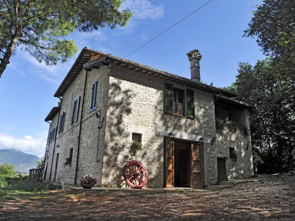 More about Il Vigneto Spoleto