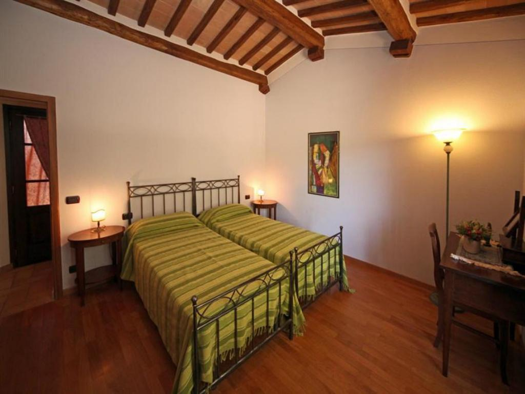 Three-Bedroom Apartment - Guestroom Villetta Caprili