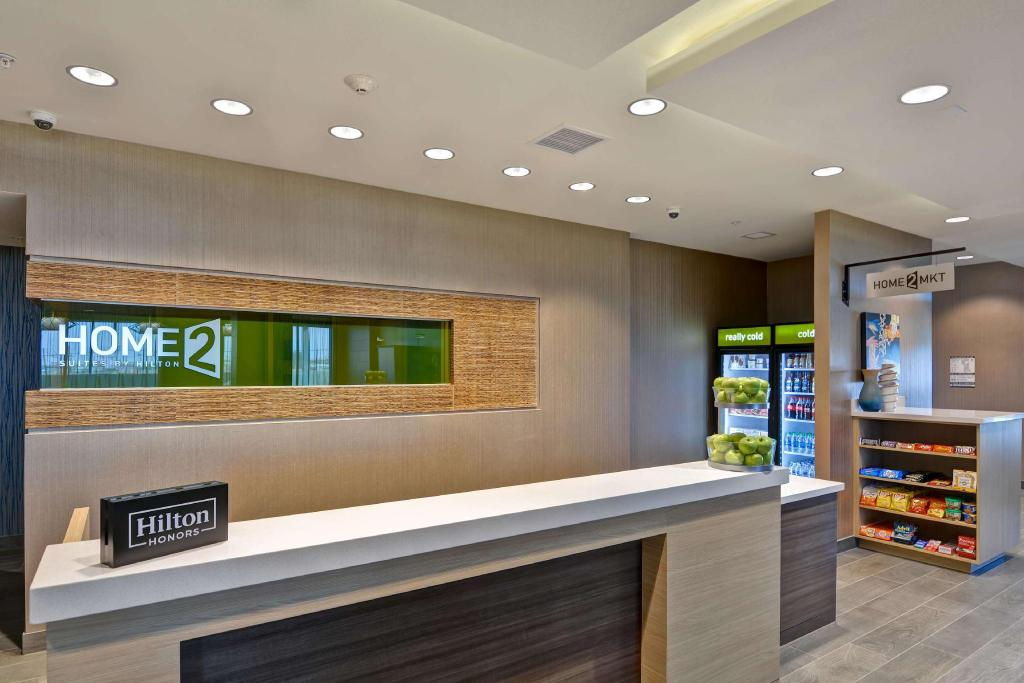 Lobby Home2 Suites by Hilton Palmdale