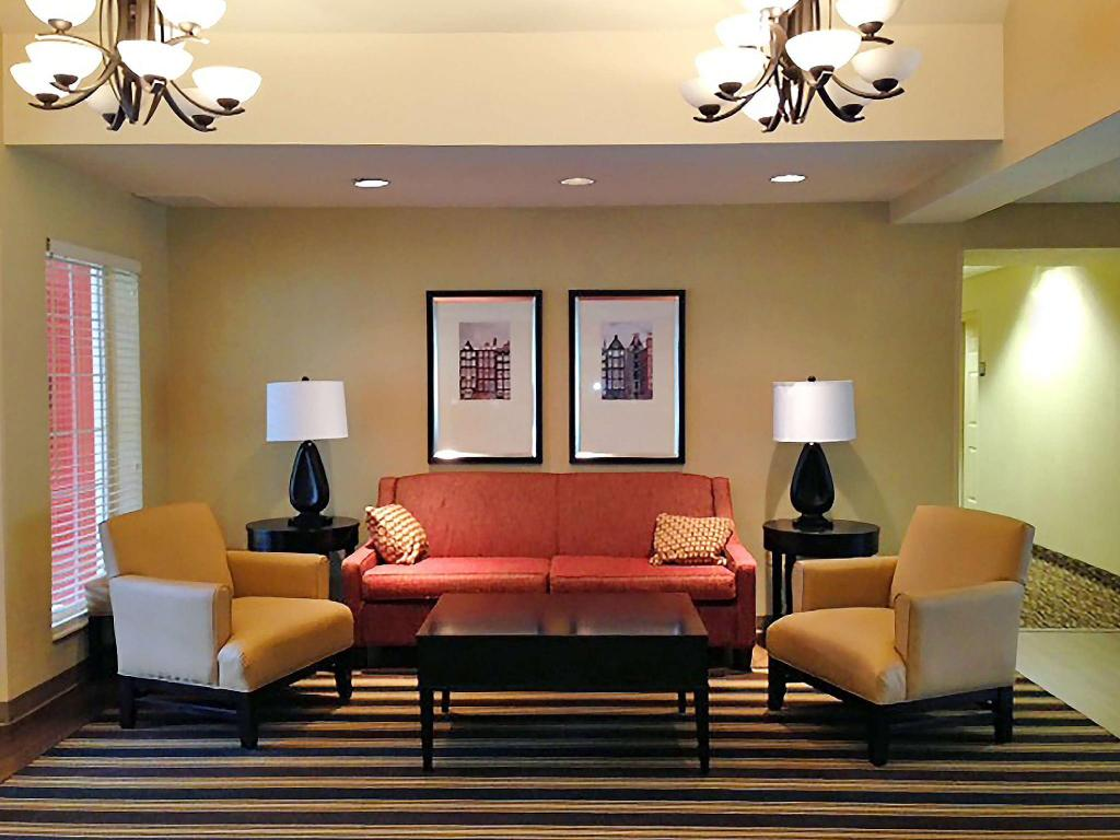 Lobby Extended Stay America MCI Airport Tiffany Springs