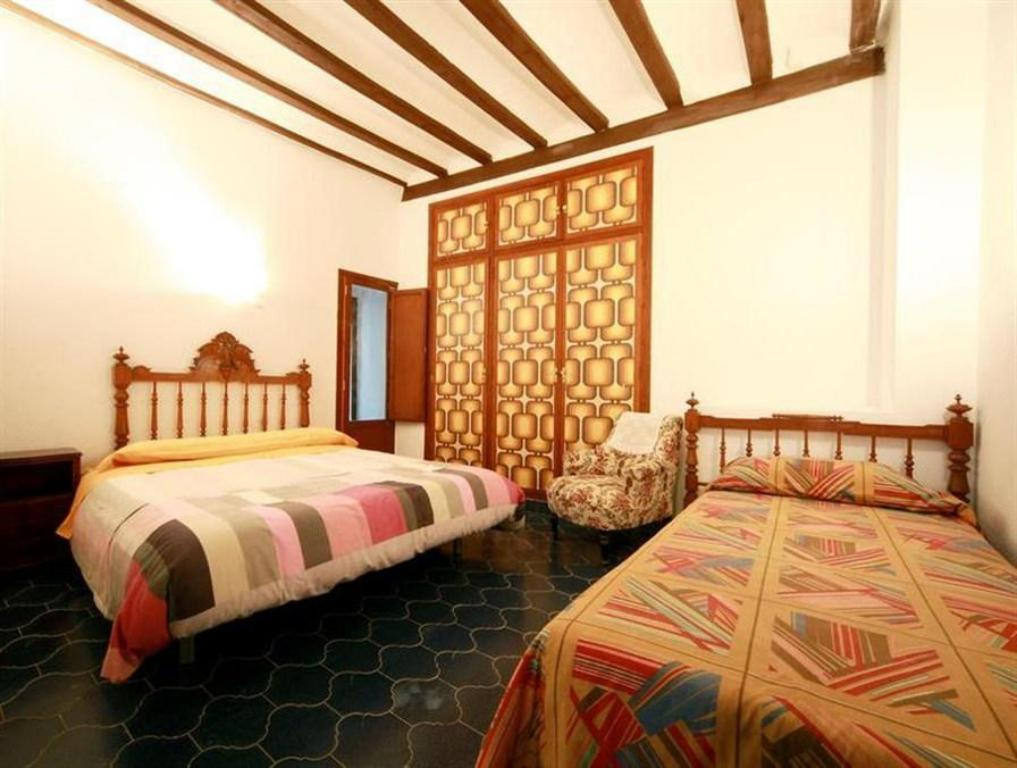 Five-Bedroom Holiday Home - Bed El Campanar