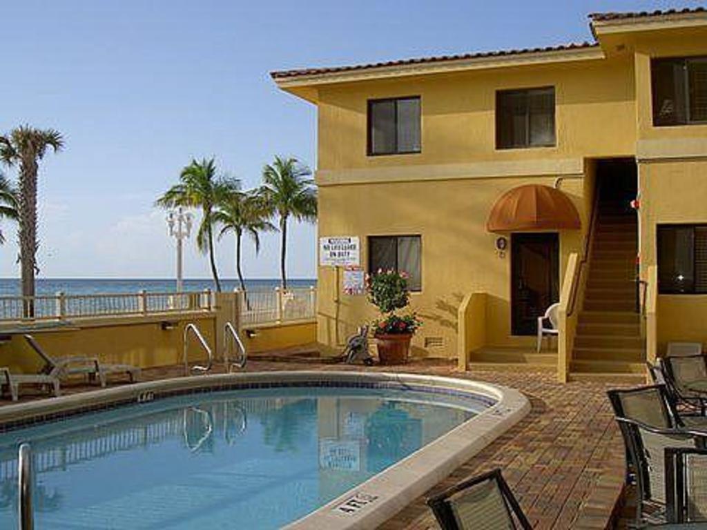 Hollywood Sands Resort a VRI Resort in Fort Lauderdale FL