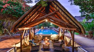 Lobengula Lodge at Shamwari Private Game Reserve