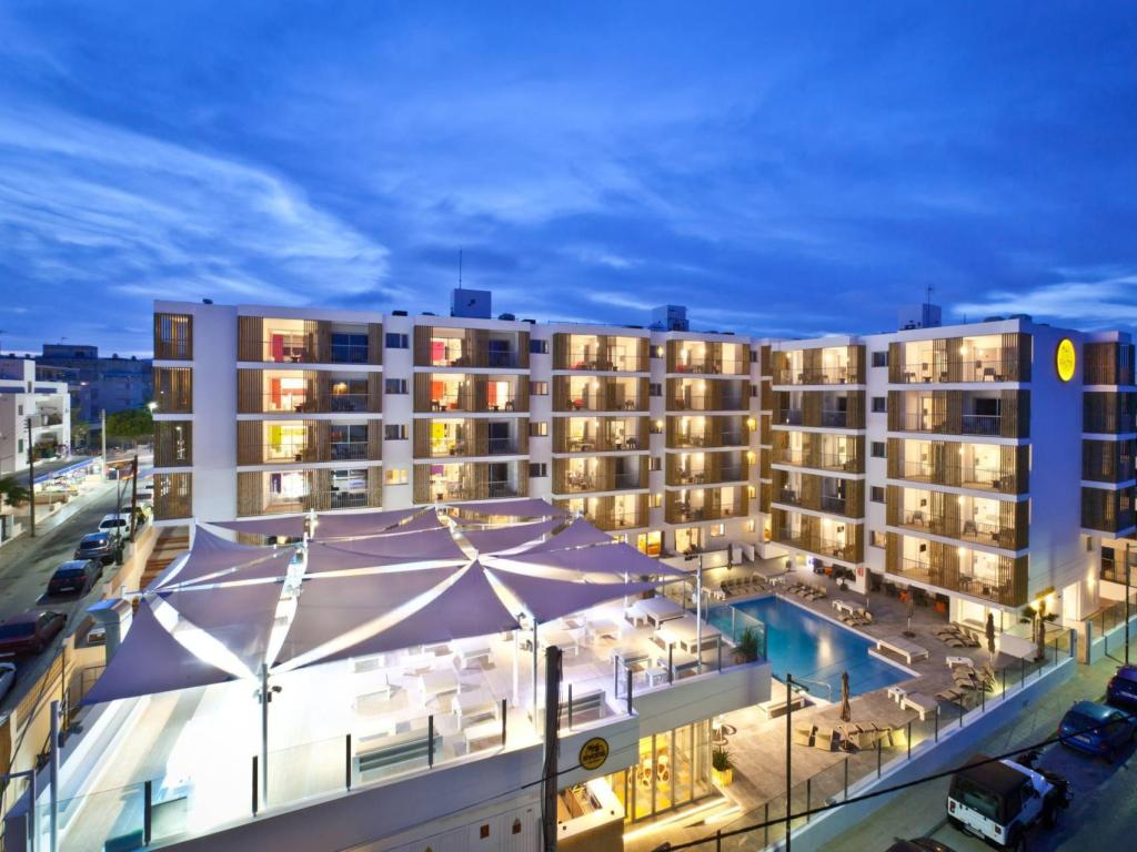 Exterior view Ryans Ibiza Apartments