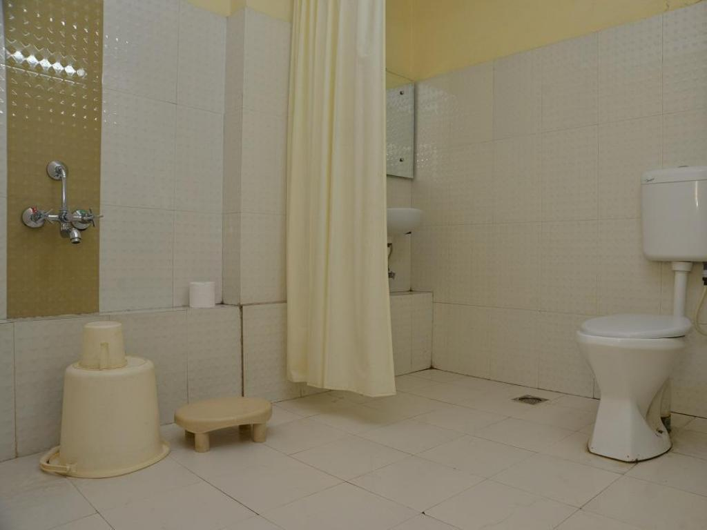 Bathroom Hotel Indraprasth Ritz Group