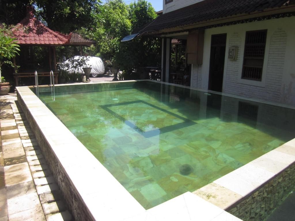 Swimming pool Lestari Homestay