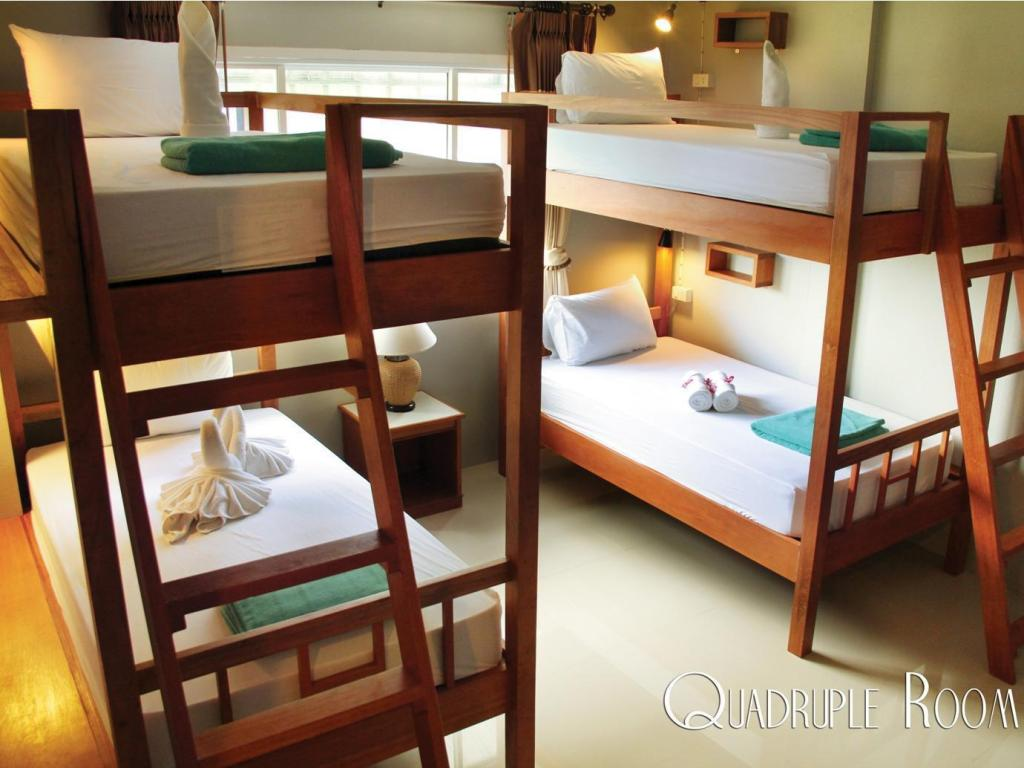 Quadruple Room Phangan Pearl Villa Hotel