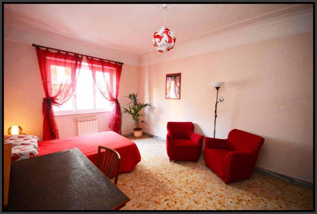 Das (24 m²), 1 Schlafzimmer und 1 eigene Badezimmer in Rom Ost ...