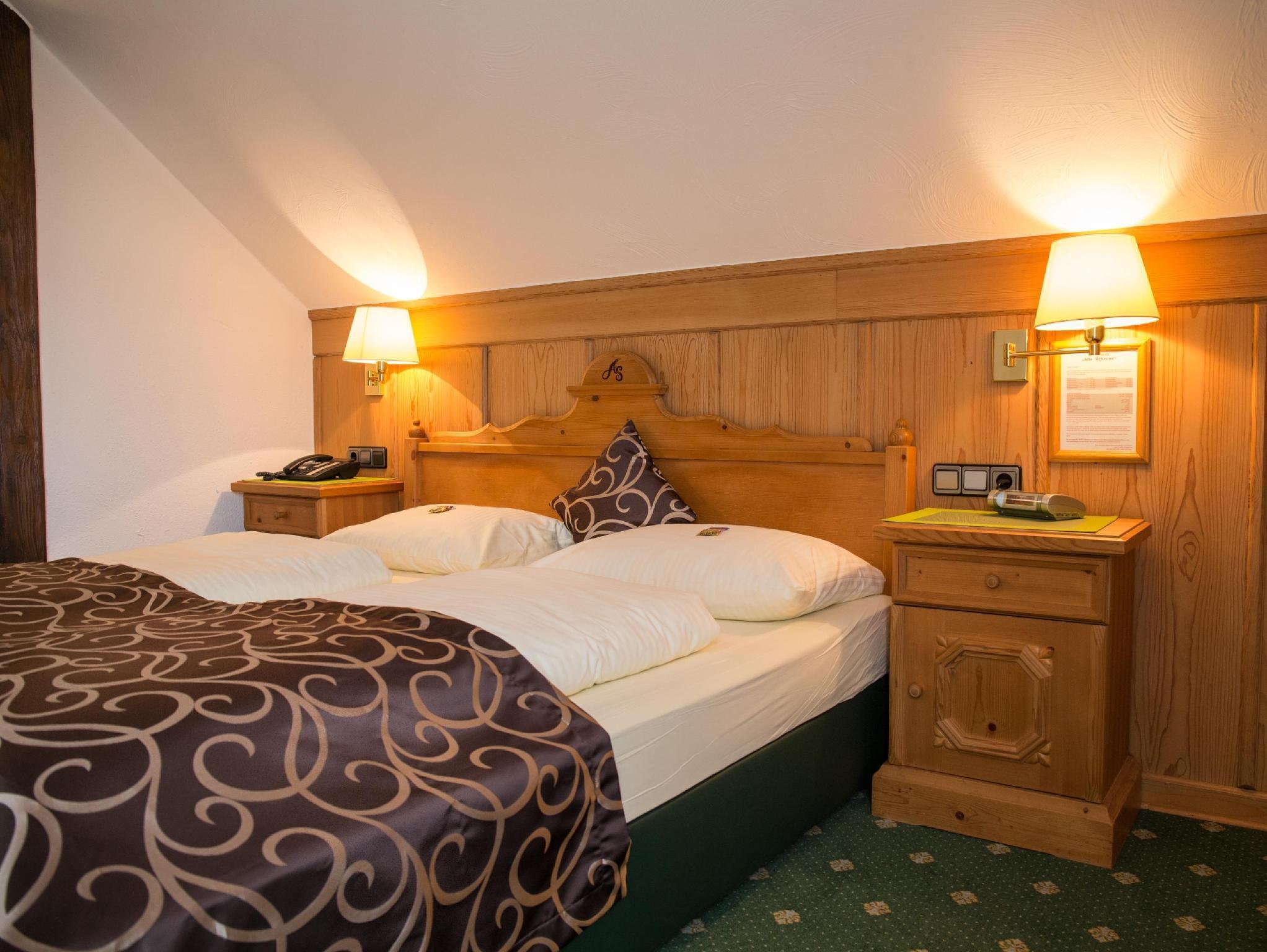 Best Price on Hotel Landhaus Alte Scheune in Frankfurt am Main ...