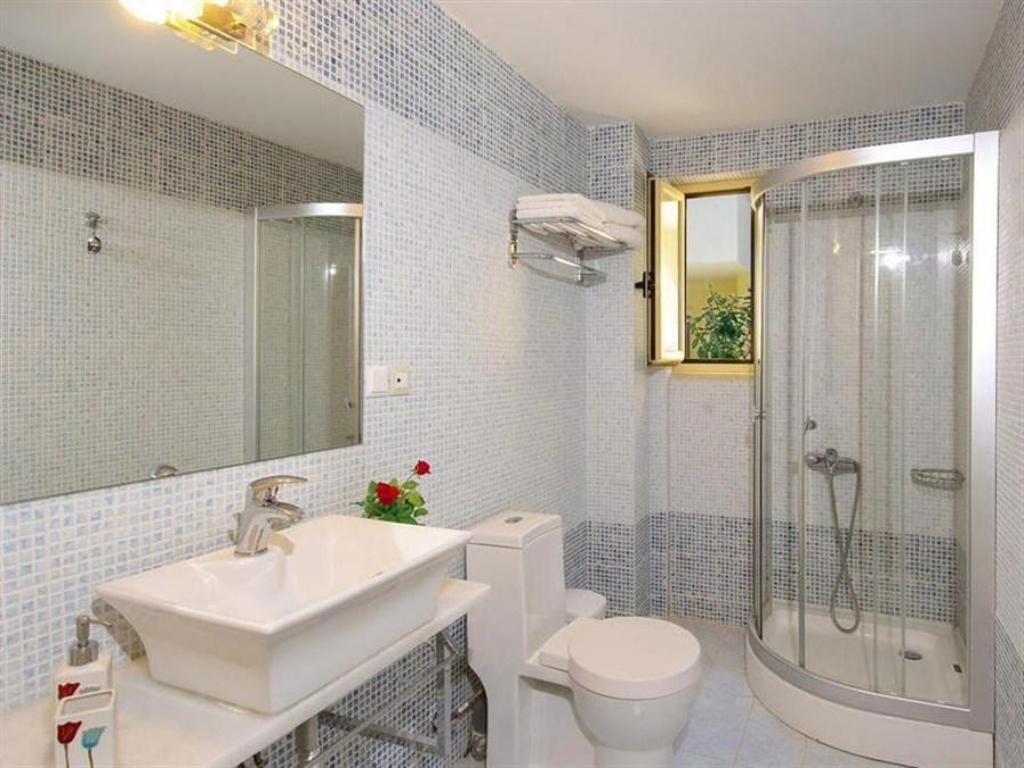 Studio - Bathroom Lissos Beach