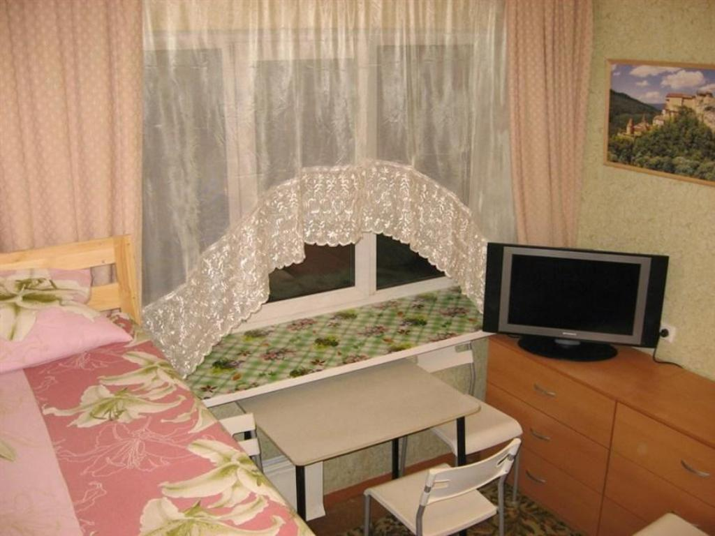Bed in 6-Bed Dormitory Room - Guestroom Puzzle