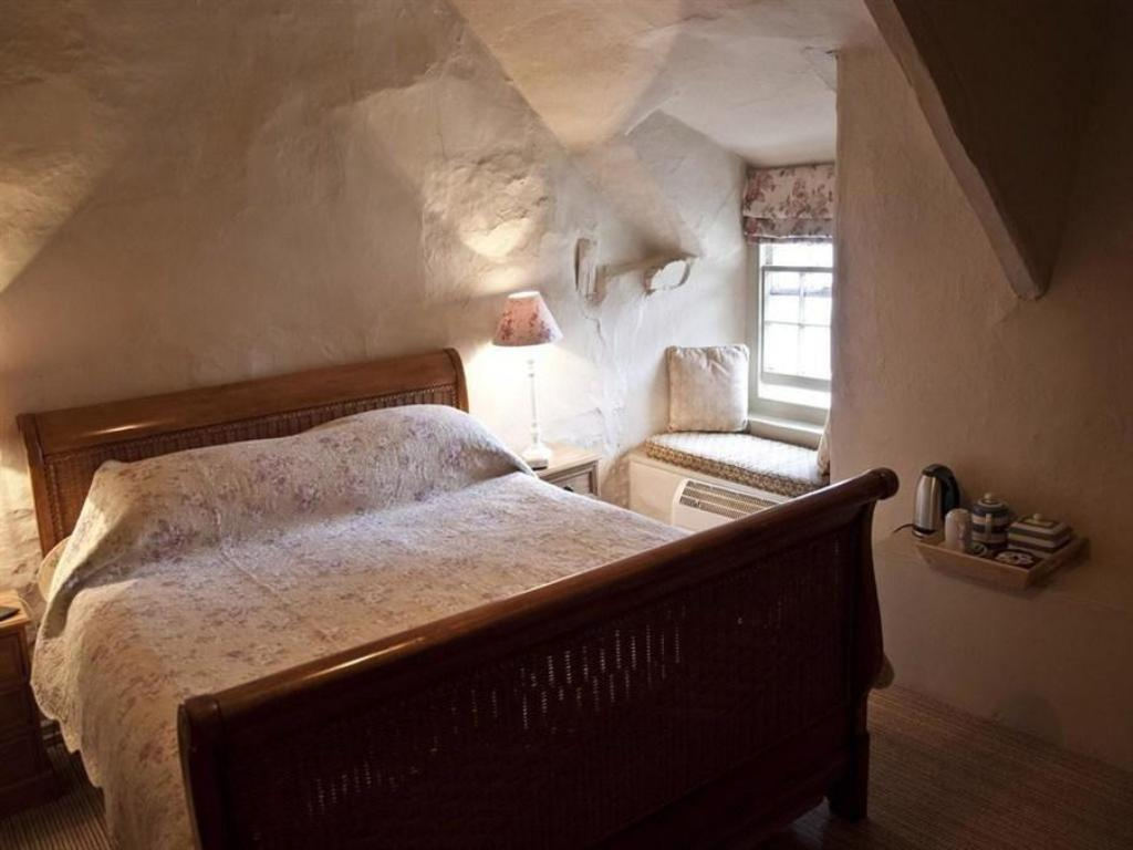 Double Room - Bed Ring of Bells Inn