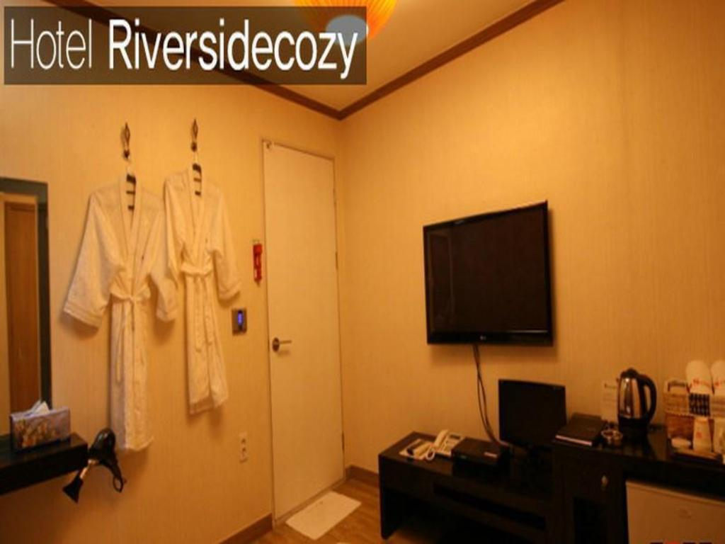 Standard Double Bed Room - Guestroom Hotel Riversidecozy