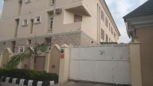 Paris Choice Hotels & Resort Wuse