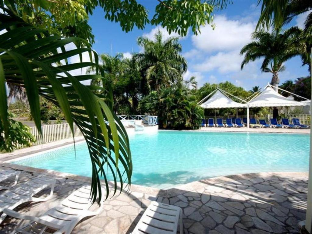 Swimming pool Hotel-residence Golf Village