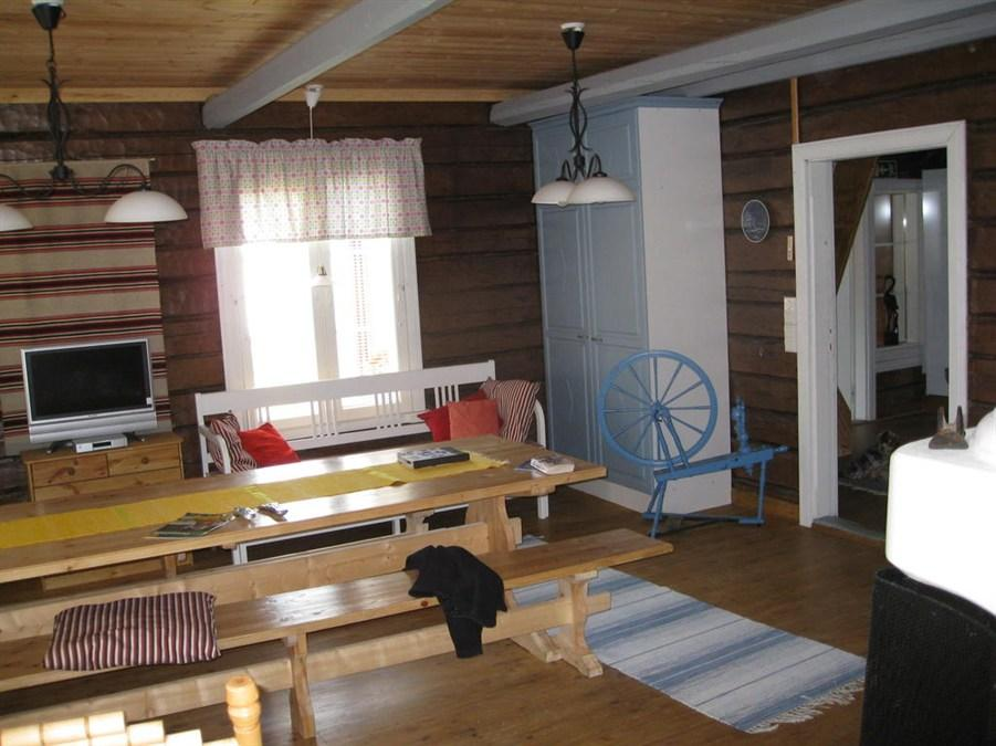 Apartma s 3 spalnicami in savno (Three-Bedroom Apartment with Sauna)