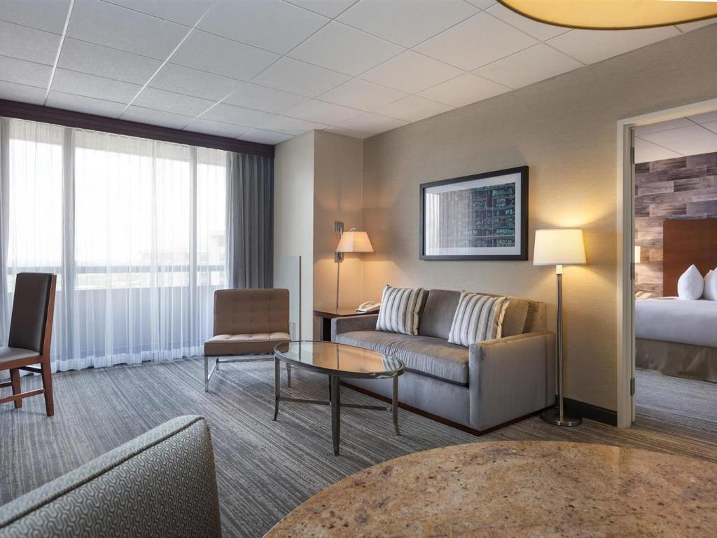 Pemandangan dalam DoubleTree Suites by Hilton Houston by the Galleria