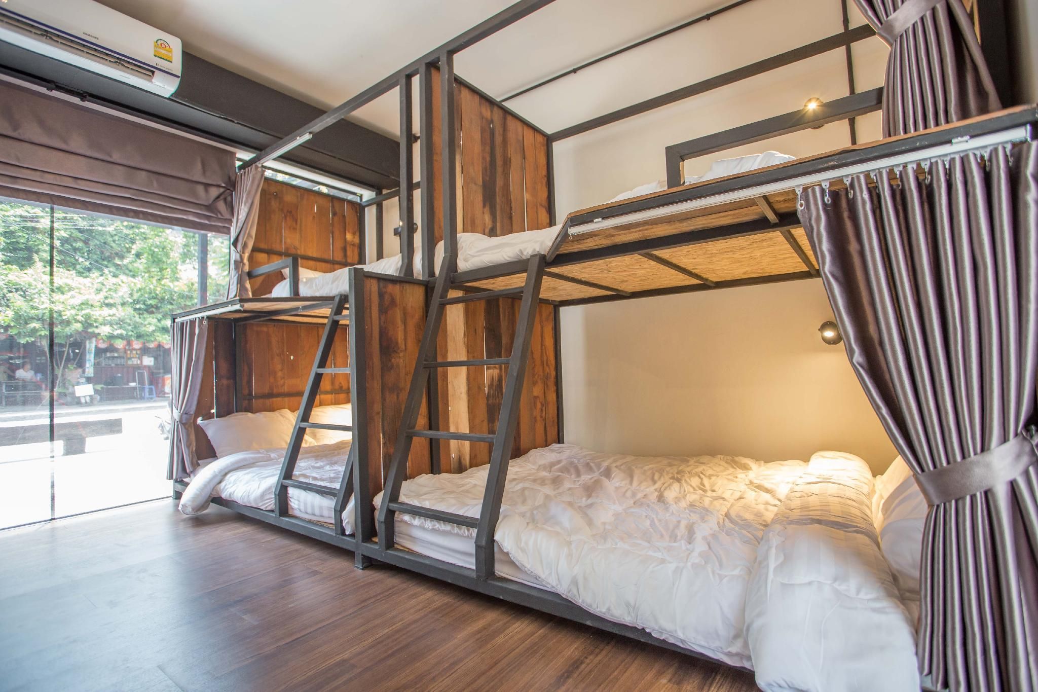 1 Semi-Double Bed for 2 People in 16-Bed Dormitory - Mixed