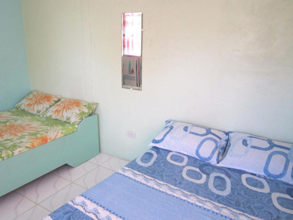 Standard Double - Bed Gamorot Pabololot Cottages