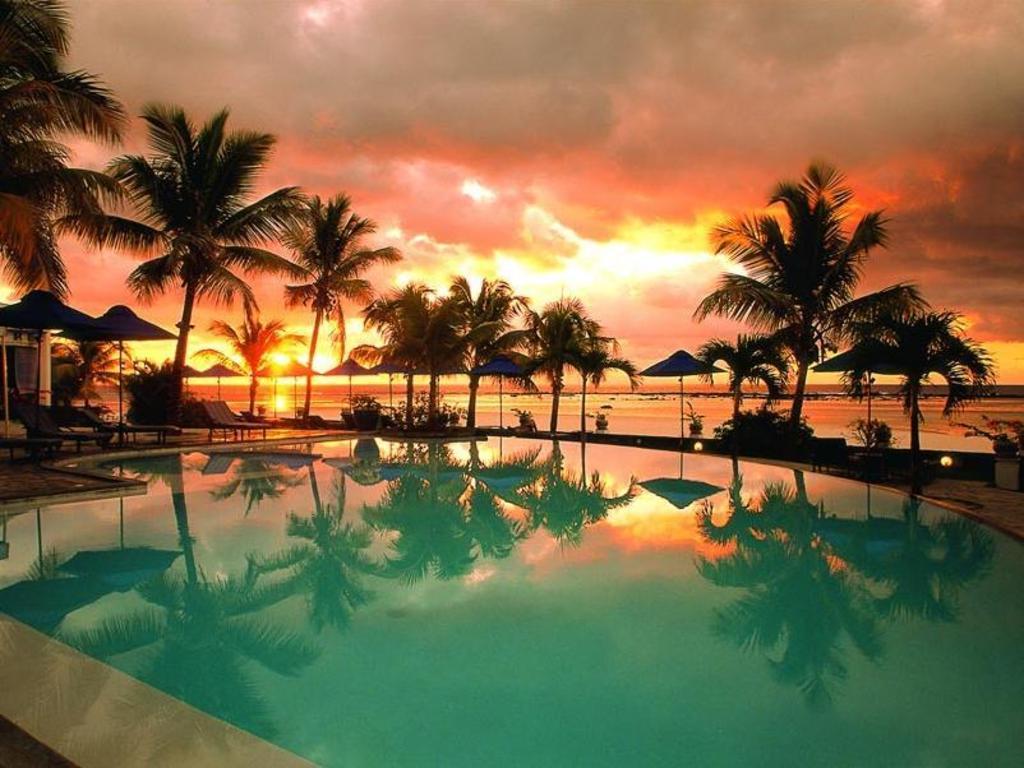 Villas caroline resort in mauritius island room deals for Swimming pool mauritius