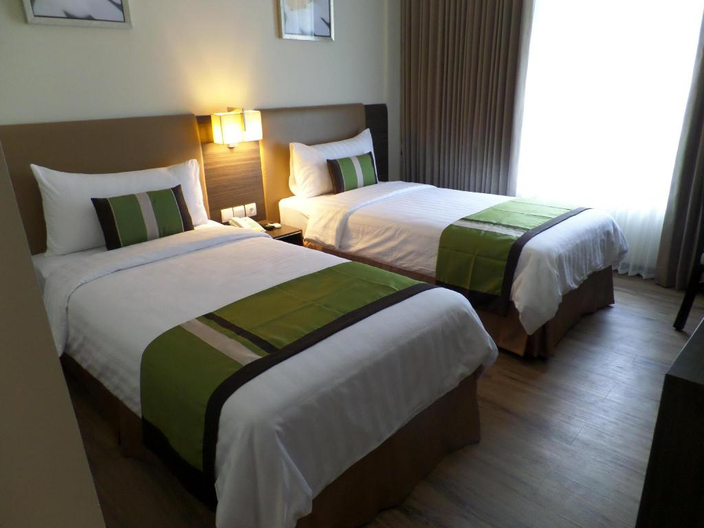 Superior Room with breakfast - Bed Estrella Hotel & Conference