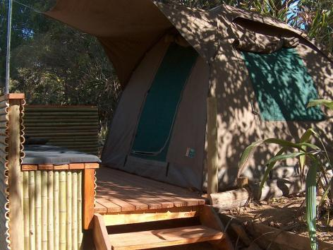 Луксозни Bush dome тенти (Luxury Bush dome tents)