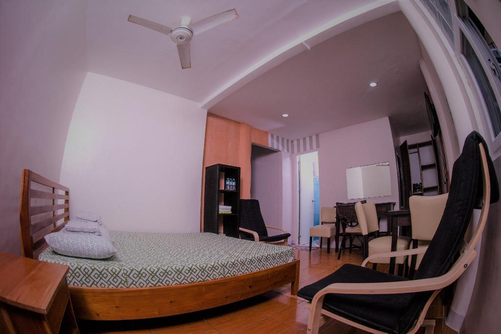 Standard Fan Room - Bed Seafari Resort Oslob