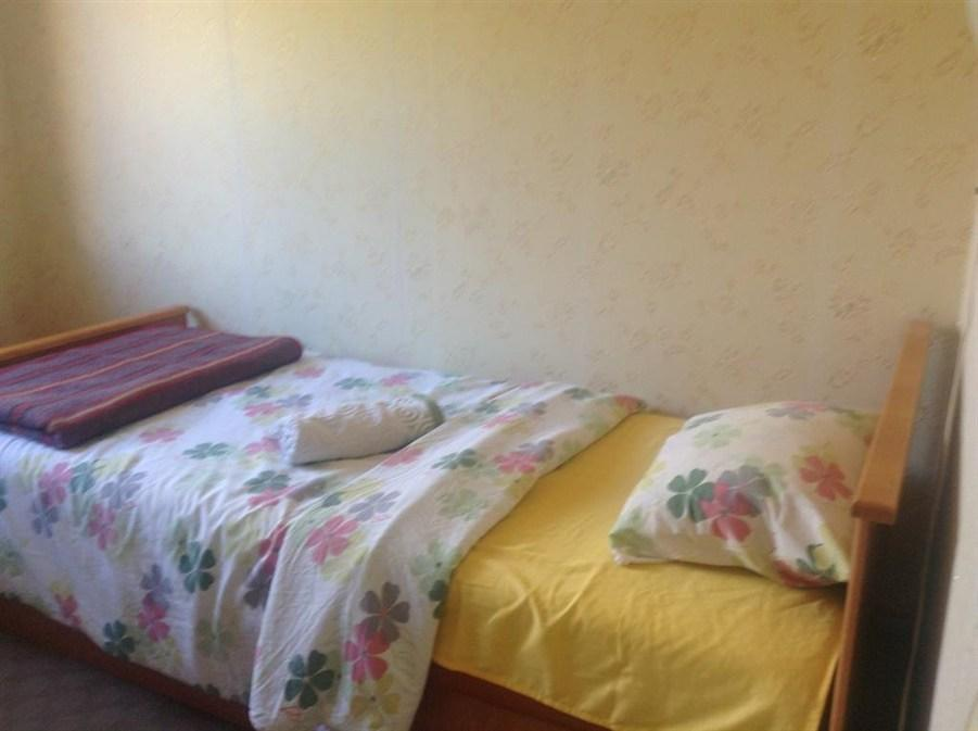 Chambre Twin avec Salle de Bains commune (Twin Room with Shared Bathroom)