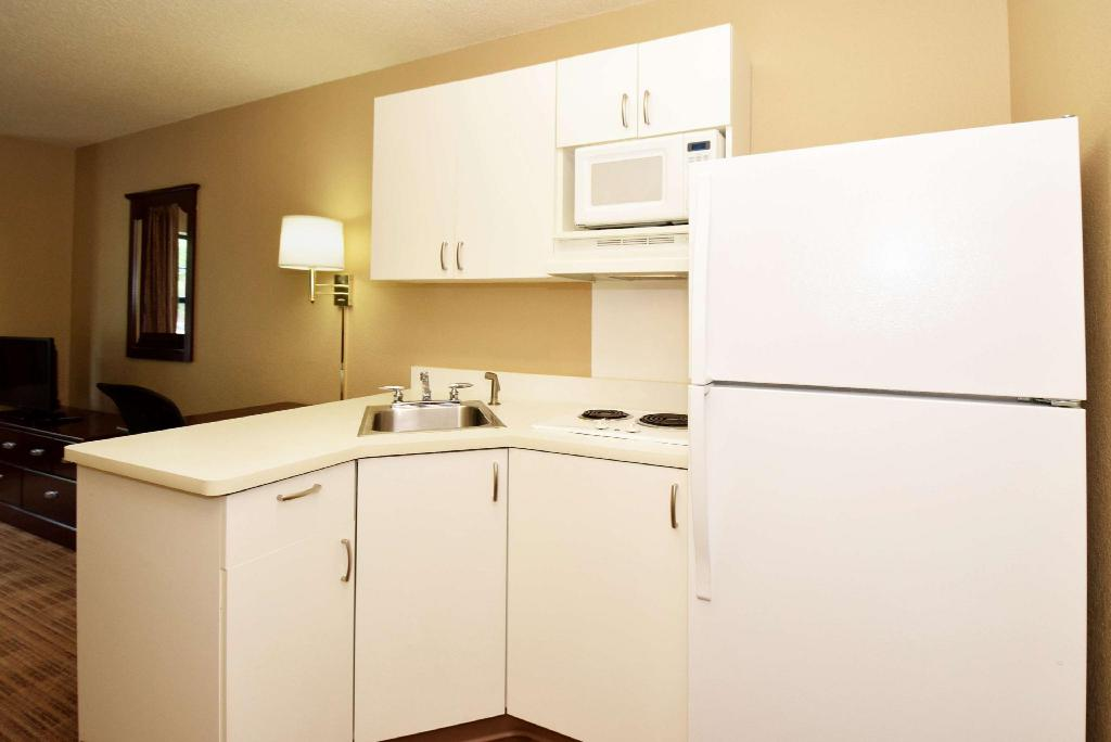 Studio Queen Accessible Non-Smoking - Вітальня Extended Stay America Bloomington Normal