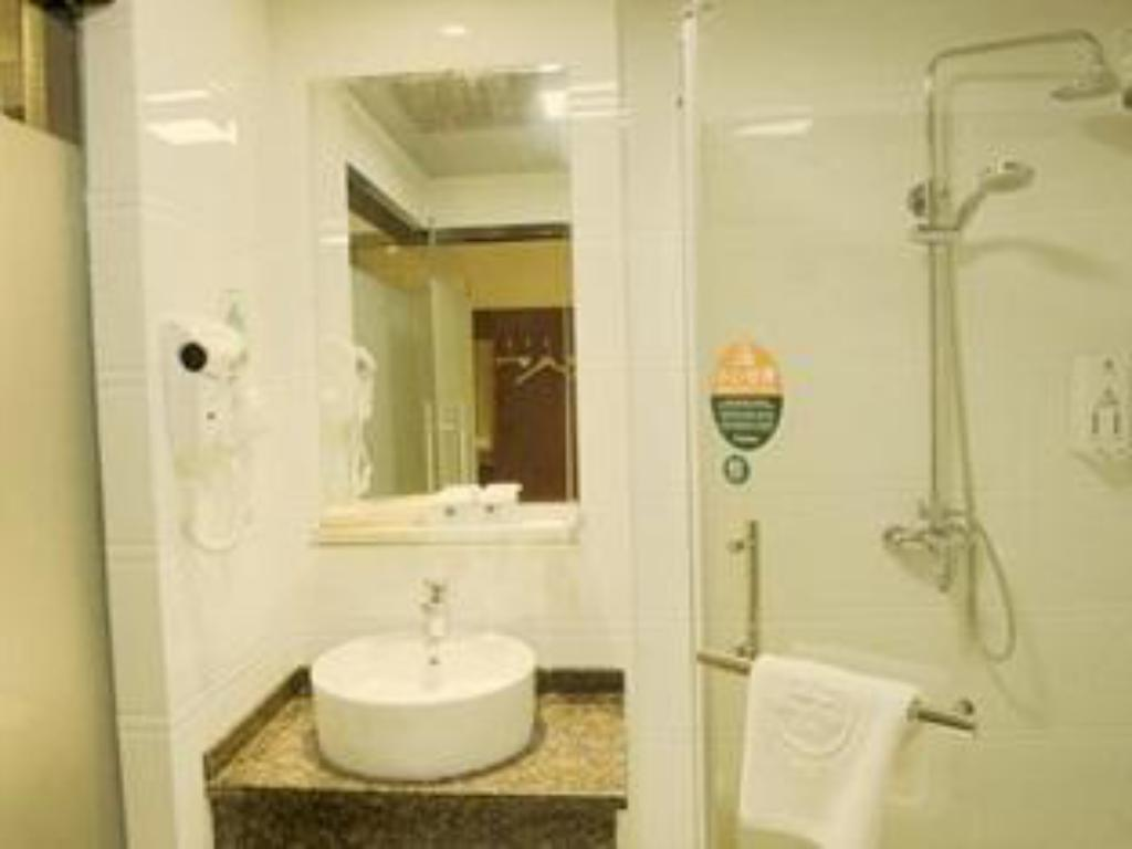 Bathroom GreenTree Inn Changzhou Changwu Gufang Road Express Hostel