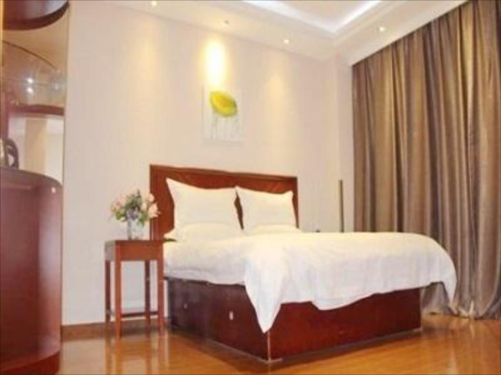 Queen Room - Domestic residents only - Guestroom GreenTree Inn Nantong Rugao Port Bus Station Business Hotel