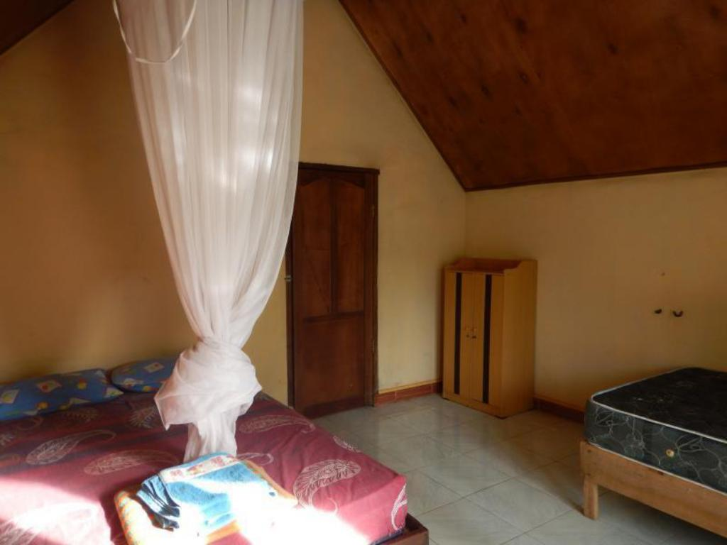 Bungalows with Air Conditioning Mente Indah Cottage