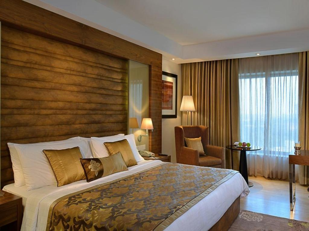 Standard Room - Bed Fortune Inn Grazia-Ghaziabad