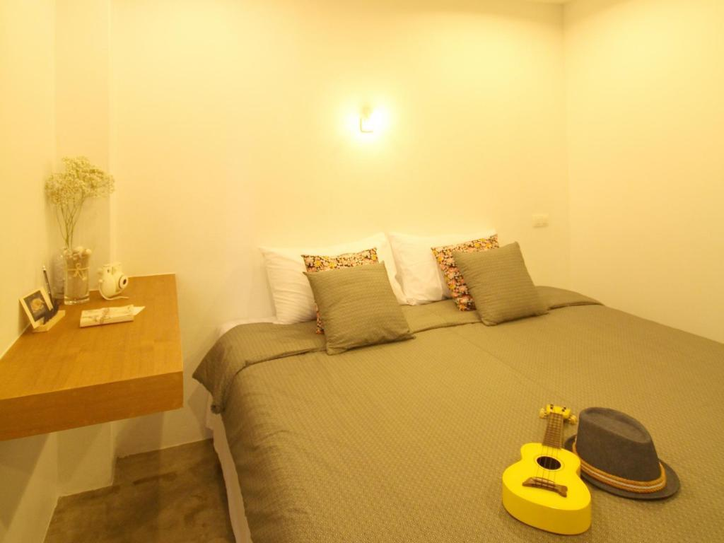 Small Double Bed Mbed Phuket