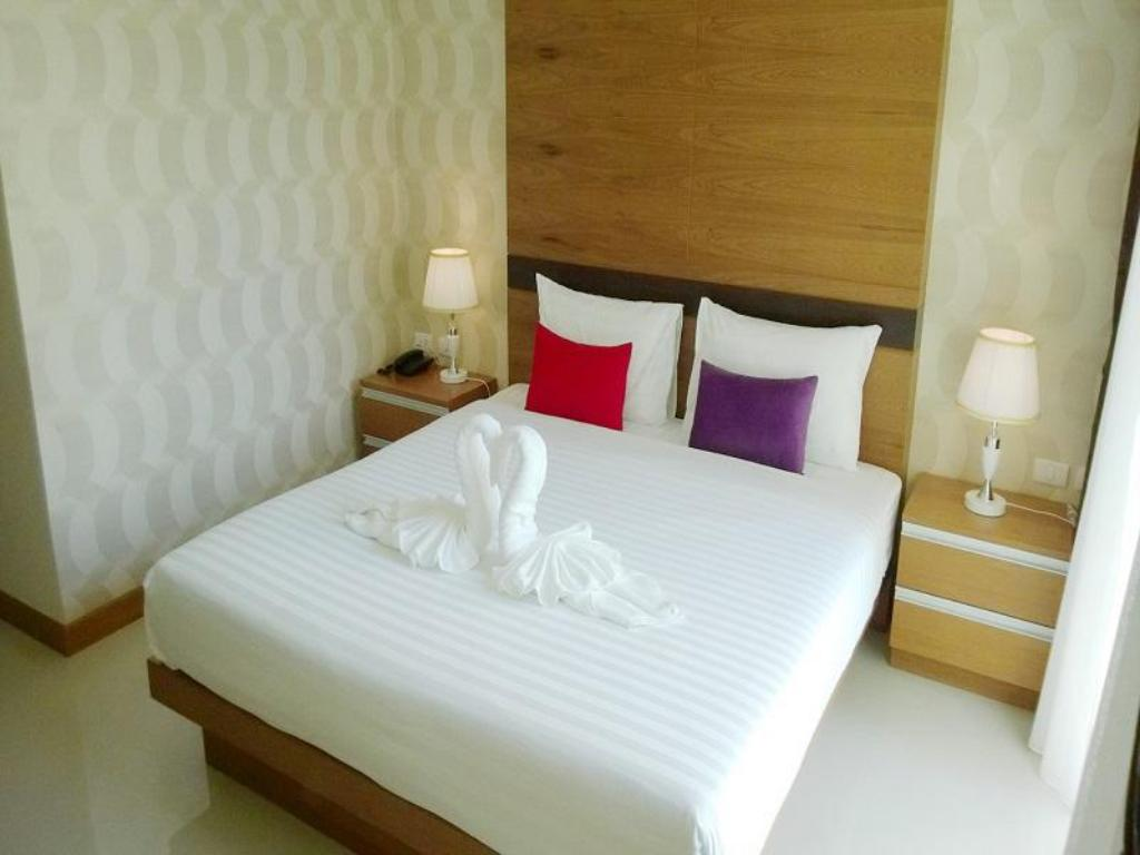 Standard Twin Room - Bed Alexander Hotel Patong