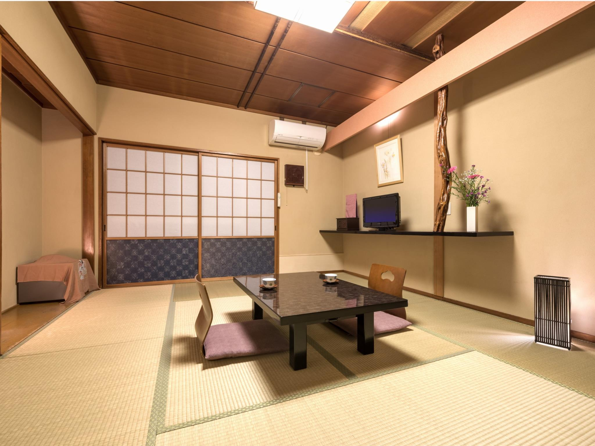 Standard Japanese Style Room with Shared Bathroom - Non-Smoking