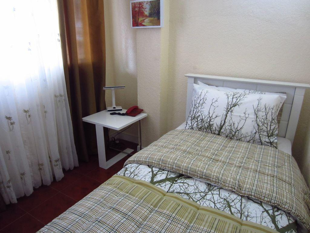 Single Room - Bed Belles Pension House