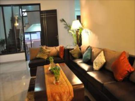 Lobby Spring Leaves Residency By Royal Collection Hotels And Resorts