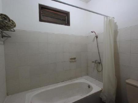 Bathroom Ramayana Hotel