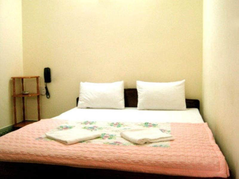 双人床间 (Double Bed room )