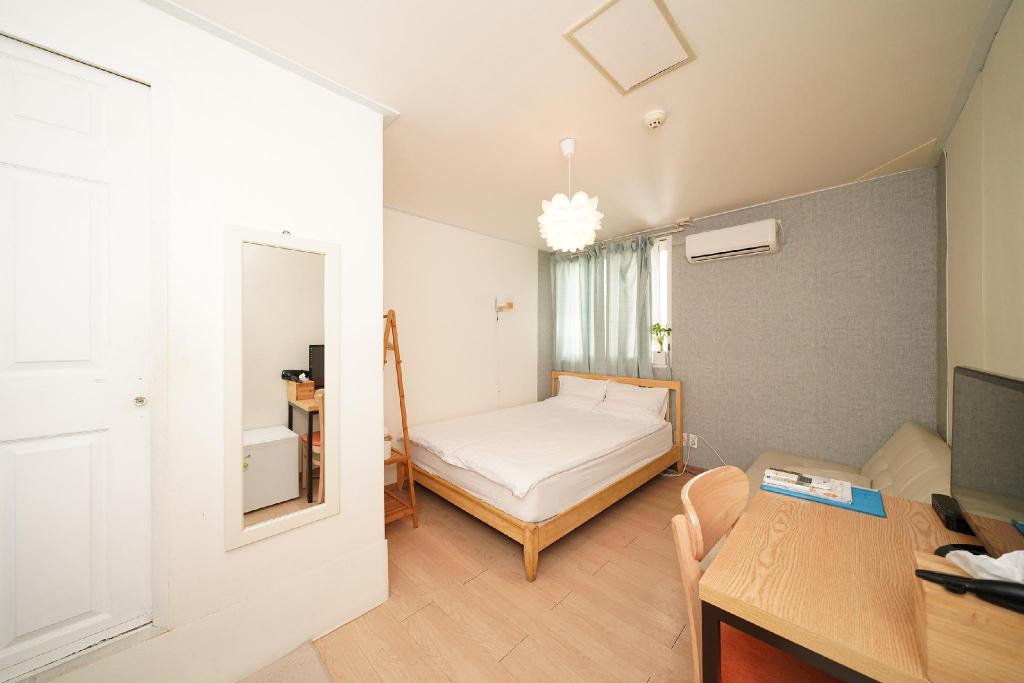 See all 36 photos Seoul Mansion Guesthouse