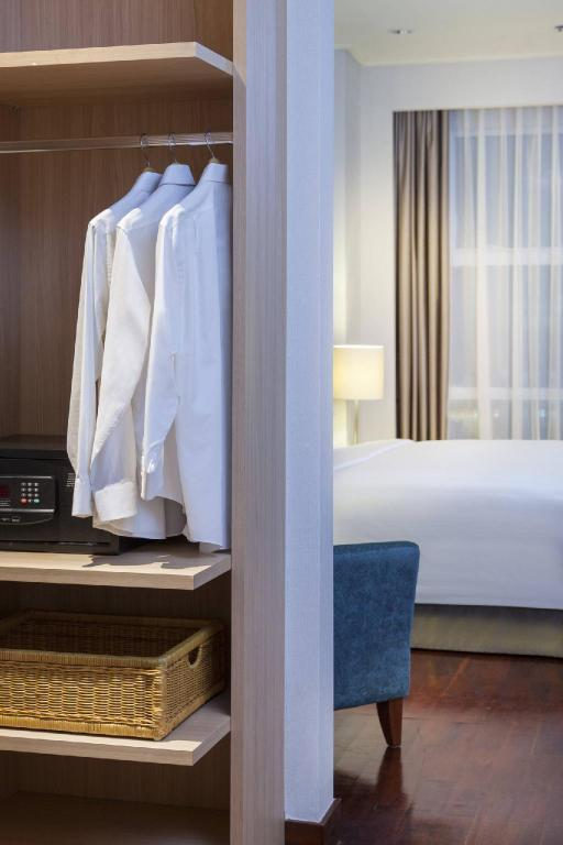 The Mayflower, Jakarta - Marriott Executive Apartments Hotel - Deals