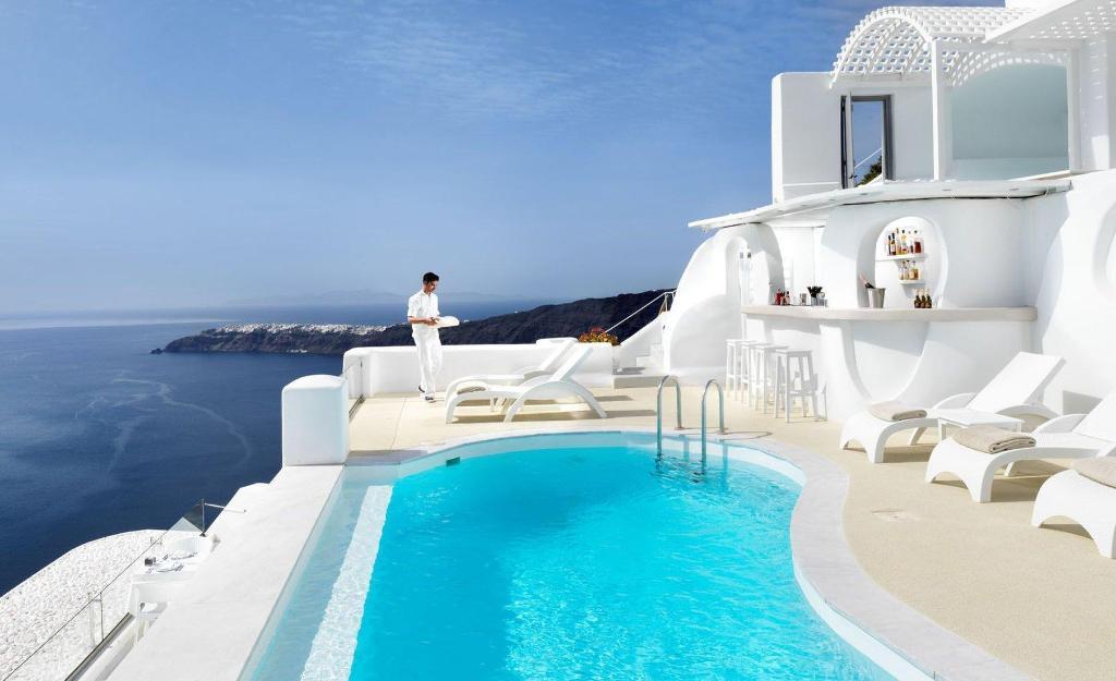 Book Tholos Resort Hotel In Santorini Greece