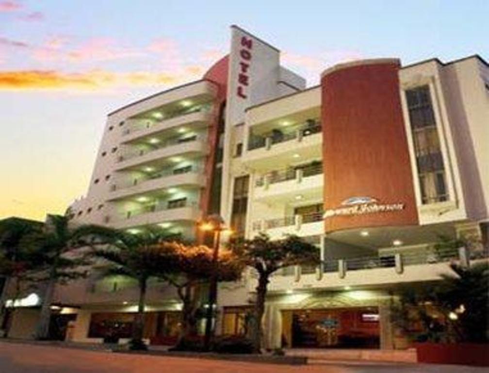 Howard Johnson Hotel Versalles Barranquilla In Colombia
