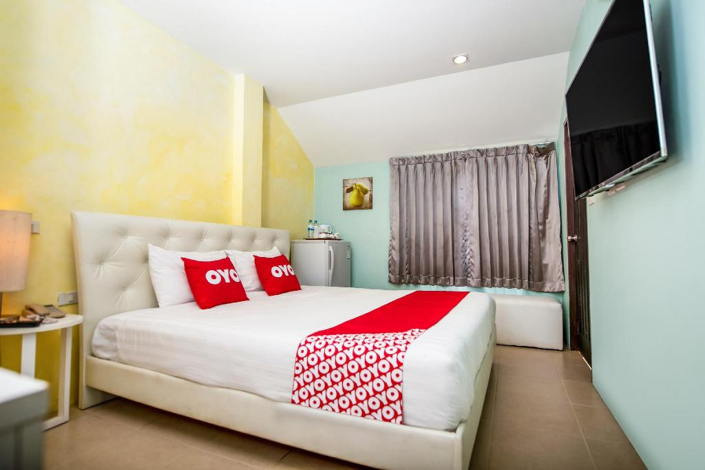Standard Double Room - View OYO 345 The Click Guesthouse at Chalong
